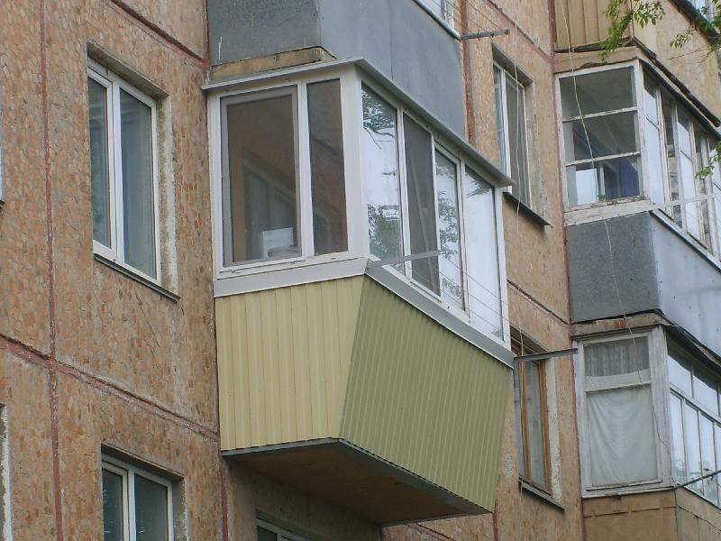 Облицовка балкона с укреплением.